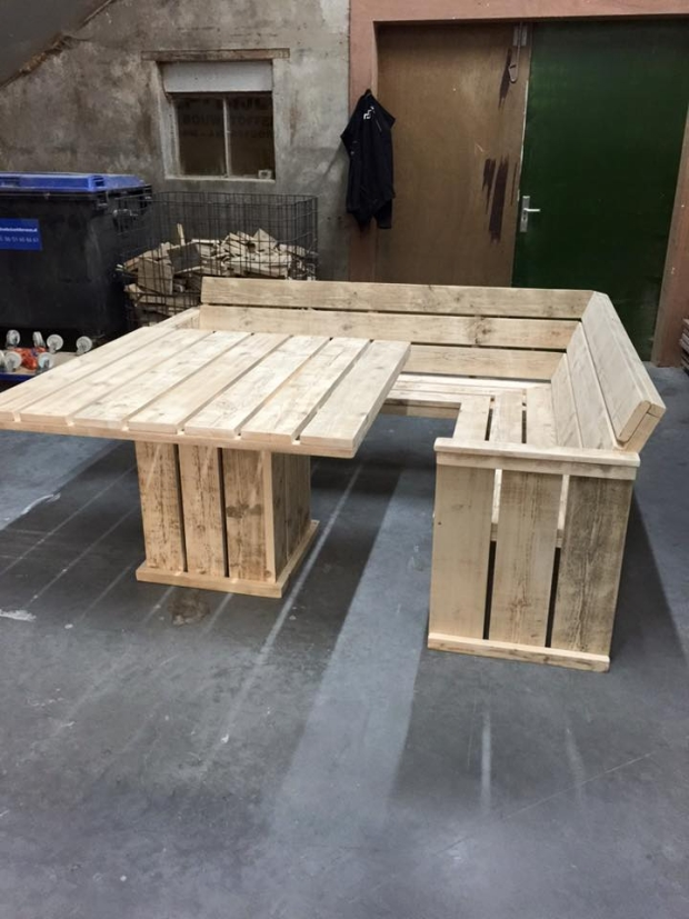 Pallet Projects Table Patio Furniture Handy Mano ManoMano Mano Mano Handymano