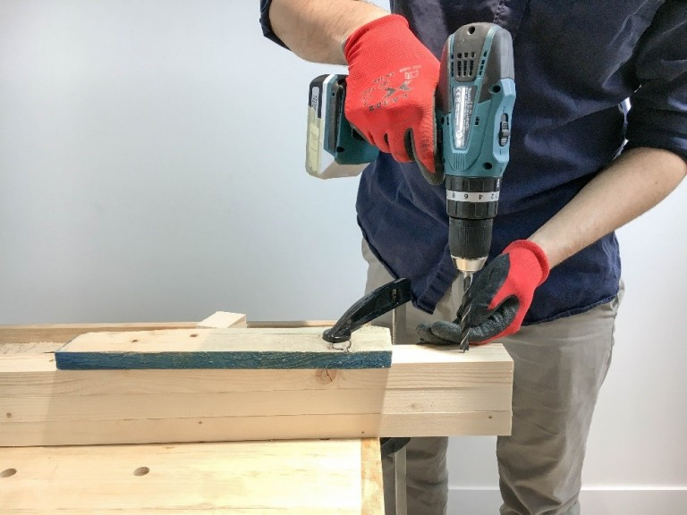 how to make a lamp manomano mano mano the handy mano drilling hole in wood plank