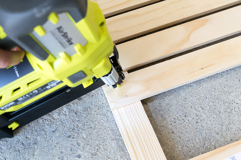 manomano mano mano the handy mano pallet bar wood pallet projects diy do it yourself drilling wood into pallets wooden strips