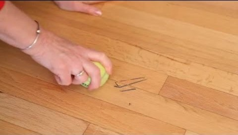 Manomano mano mano thehandymano the handy mano diy do it yourself cleaning tips expert advice hacks Quick and Easy House Cleaning Tips ball marks floor