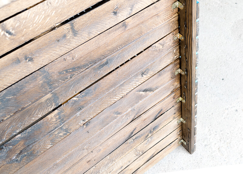 manomano mano mano the handy mano pallet bar wood pallet projects diy do it yourself stained wood
