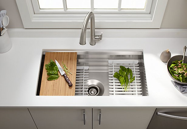 manomano mano mano the handy mano diy do it yourself projects DIY Over-the-Sink Chopping Board Small Kitchen Ideas cutting melon sink