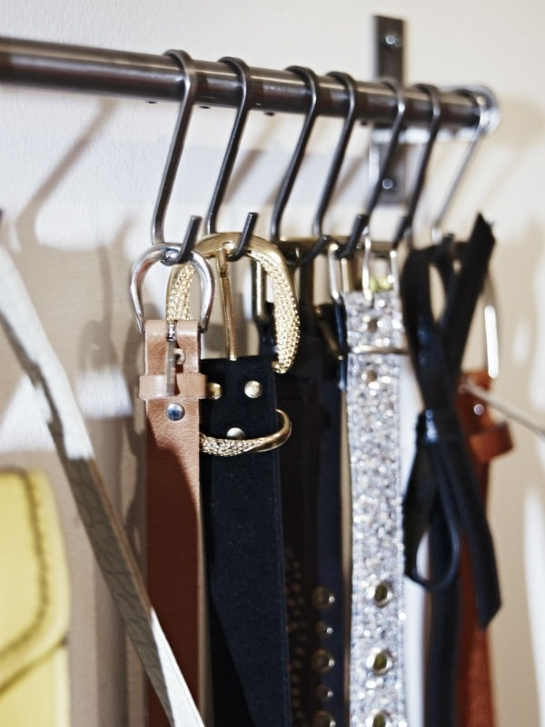 10 Clever Ways of Organising your Home the handy mano handymano manomano mano diy do it yourself projects home improvement organisation tips tricks hacks tidy shower curtain hooks belt