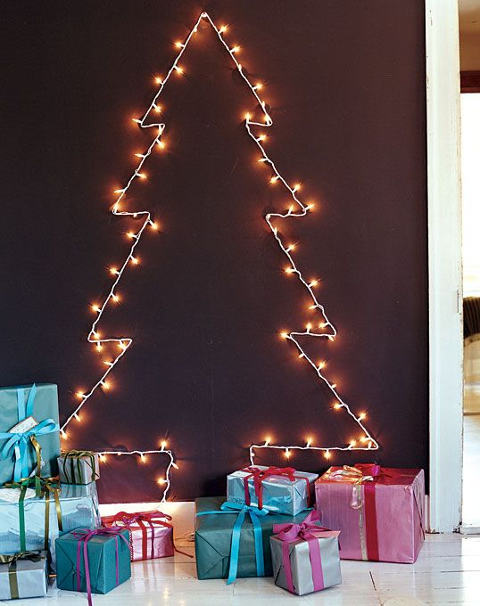 7 genius alternative christmas trees alternative christmas trees alternative different tree the handy mano manomano mano diy do it yourself festive solutioingenieria Images