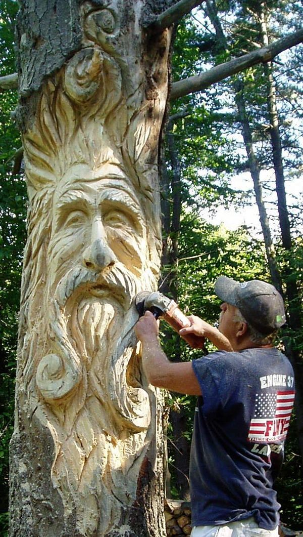 Incredible chainsaw carvings the handy mano