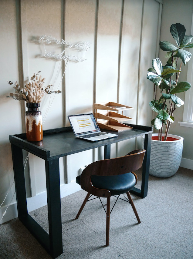 DIY Desk by The Stayover Life