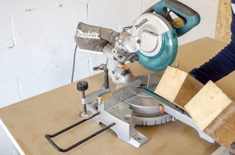 Using the mitre saw