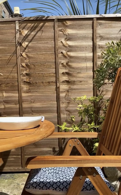Pick a colour scheme for your outdoor dining furniture